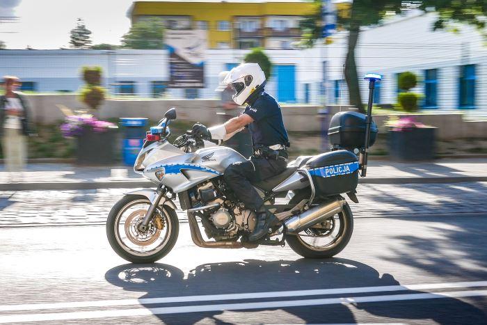 Policja Leszno: Policjant po nocnej służbie zatrzymał sprawcę kradzieży rowerów